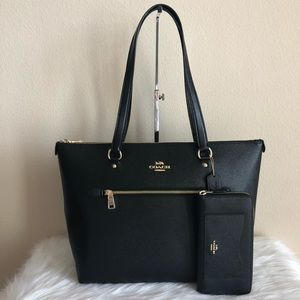 Coach purse and wallet set